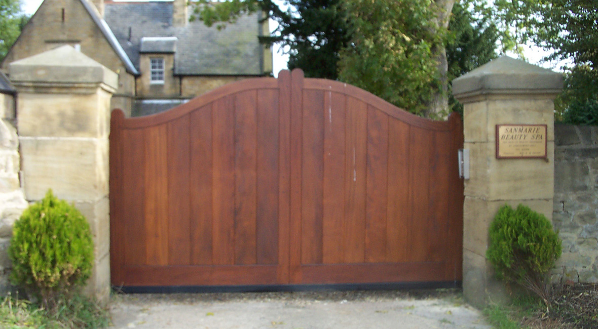 Wooden Sliding Gate 2