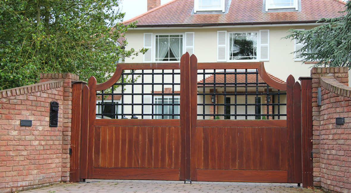 Wooden Swing Gate 33
